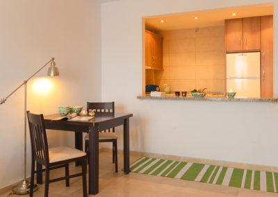 R21 - Køkken med spiseplads.