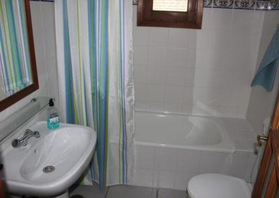 G06 - Badeværelse med kar.