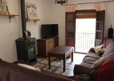 G22 - Tv stuen med brændeovn.