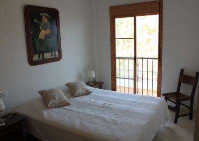 B03 - Soveværelse 2 med dobbeltseng.