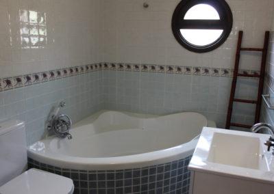 G22 - Badeværelse med badekar.
