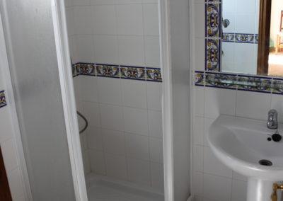 G06 - Badeværelse med brus.