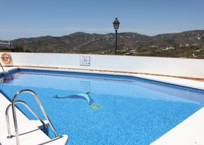 B02 - Pool