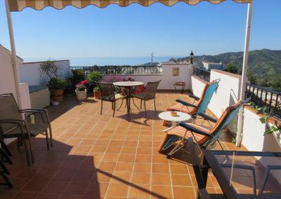 B09 - Stor terrasse.