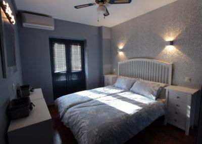 B12 - Soveværelse med dobbeltseng.