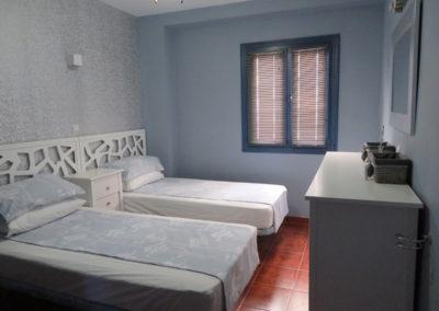 B12 - Soveværelse med to enkeltsenge.