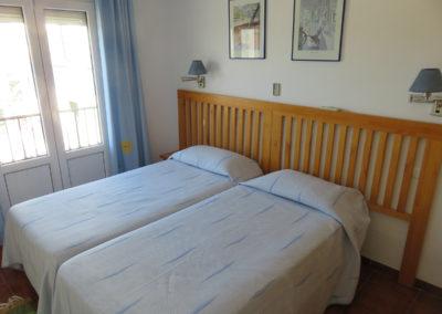 B09 - Soveværelse med to enkeltsenge.