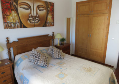 B09 - Soveværelse med dobbeltseng.
