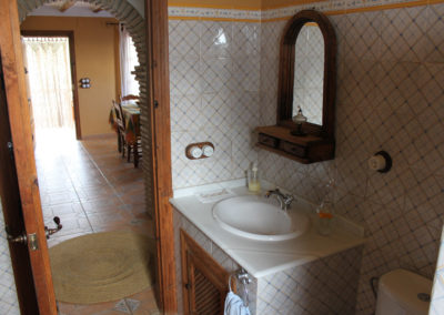 G09 - Badeværelse med brus.