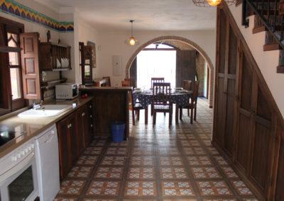 G22 - Stueplan med køkken og lounge.
