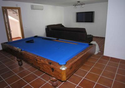 B05 - Hobbyrum med poolbord.