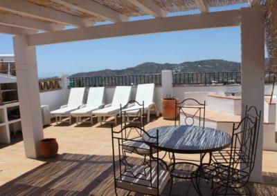 B07 - Dejlig stor terrasse med BBQ mv.