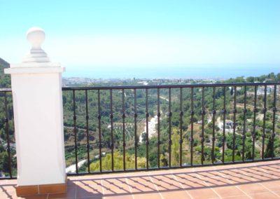 B05 - Udsigt fra terrasse balkon.