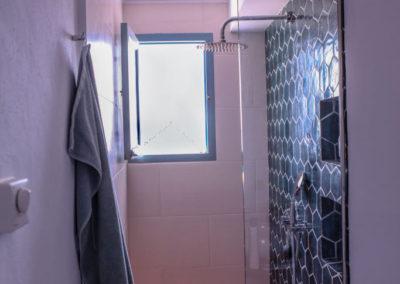R12 - Badeværelse oppe.