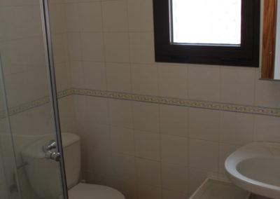 R15 - Badeværelse med brus.