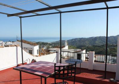 R31 - Stor terrasse med flot udsigt.