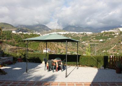 G27 - Skyggepavilion med udsigt til Frigiliana.