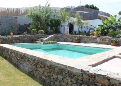 G31 - Skøn privat pool og have