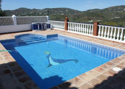 G47 - inviting pool.