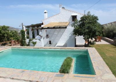 G31 - Pool og huset.