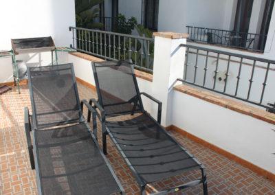 R29 - Terrasse med solstole