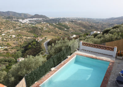 G50 - Nice pool and great views.
