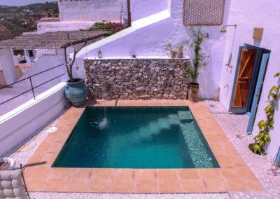 R12 - Dejlig privat pool.