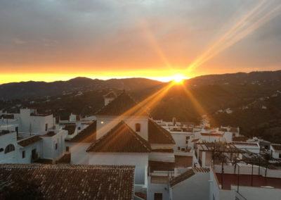 R12 - Nyd solnedgangen på de to terrasser.