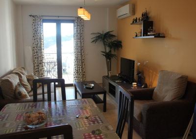R22 - Living room.