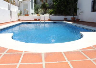 R14 - Pool