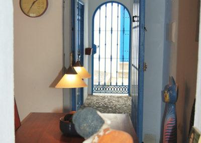 R02 - Indgang til huset.