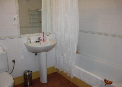 R18 - Badeværelse med kar.