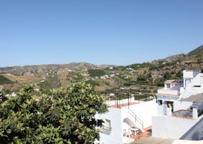 R33 - Stor terrasse med udsigt.