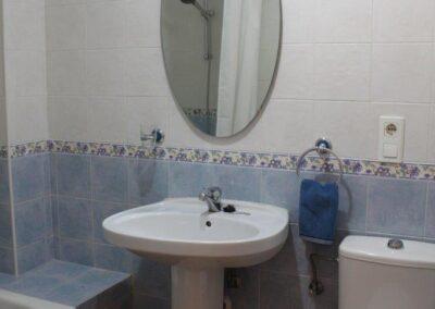 R03 - Badeværelse med kar.
