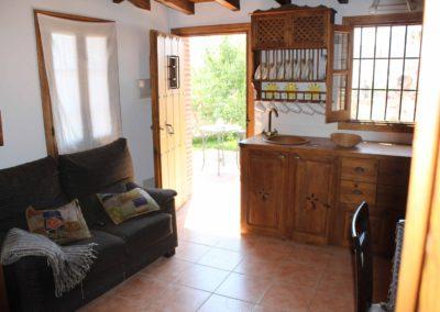 R30 - Køkken/stue set fra soveværelset.