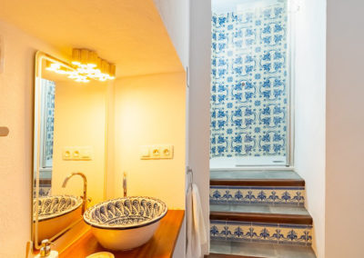 R05 - Badeværelse med brus.
