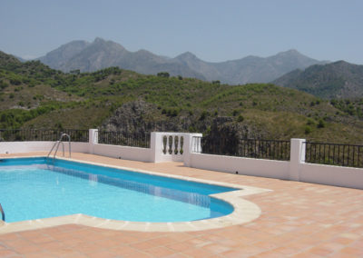 B348 - Communal pool with fantastic views.