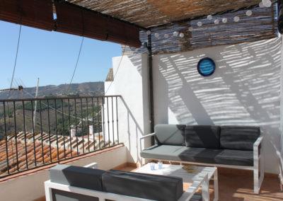 R37 - Afslapning på terrassen.