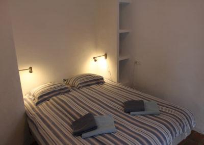 R08 - Soveværelse med dobbeltseng
