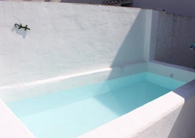 B04 - Mindre privat pool.