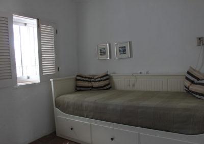 R08 - Soveværelse med sovesofa
