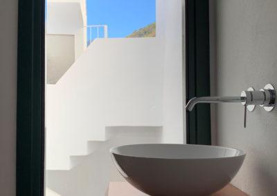 R38 - Badeværelse med udsigt.