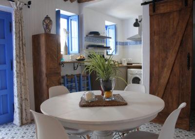 R42 - Spiseplads og køkken.