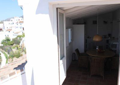 R08 - Udgang til terrassen