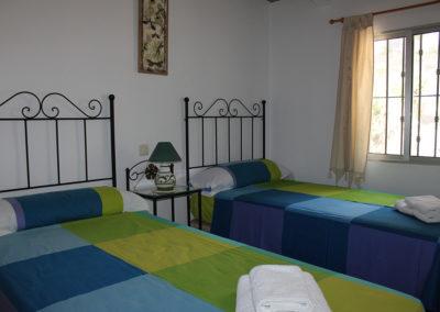 G34 - Soveværelse 2 med 2 enkeltsenge.