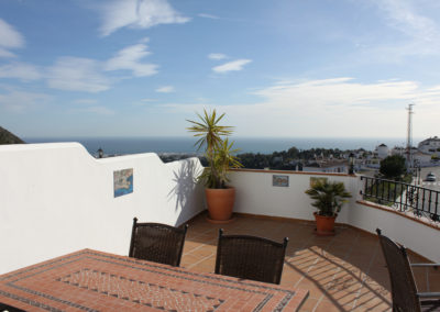 B14 - Stor privat terrasse.