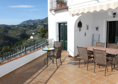 B14 - Dejlig stor terrasse.