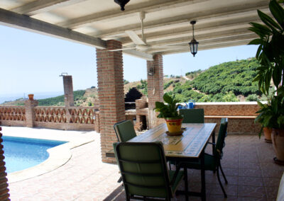 G18 - Terrasse ved pool.
