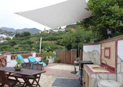 G02 - Dejlig terrasse med BBQ.