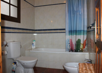 R356 - Bathroom.